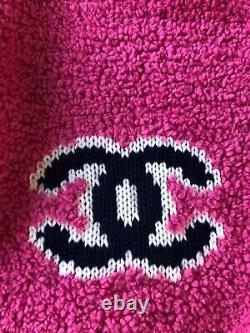 Chanel CC Logo Sweater size 34 / XS Pink, Very rare, Mint Condition