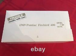 Danbury Mint 1969 Pontiac Firebird 400 124 VERY RARE IN MINT CONDITION! IN BOX