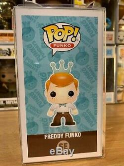 Funko Pop! Freddy Funko BLUE Ranger SUPER MINT VERY RARE VAULTED 525 pz