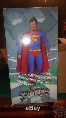 Neca Christopher Reeve Superman 1/4 scale MINT (BOXED) 18 Inch Figure VERY RARE