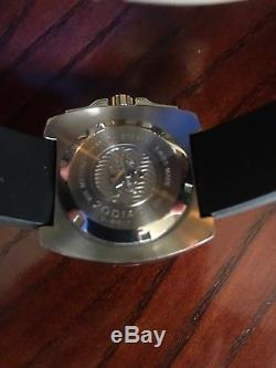 Zodiac V WOLF Diver Watch Very Rare Mint Condition. 1000ft Water Resistance